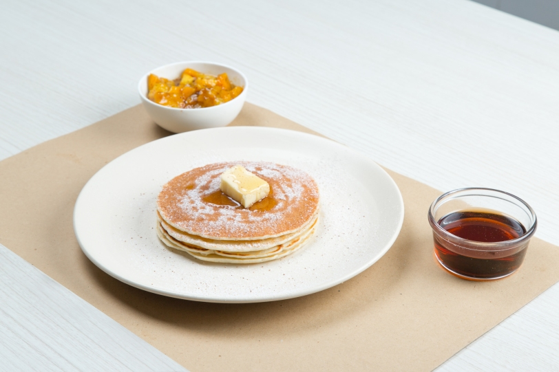 Fresh Pancakes with Diced Mango Syrup