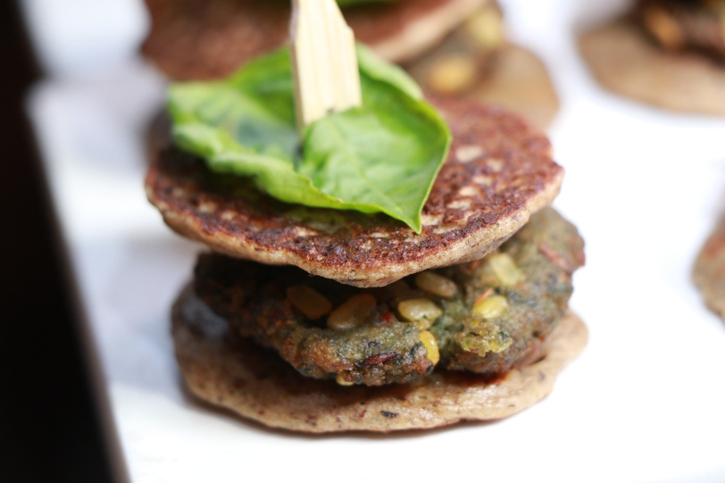 Buckwheat blinis with spinach and lentil patties